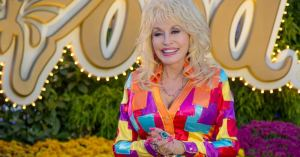 Dolly-Parton-Social-Media