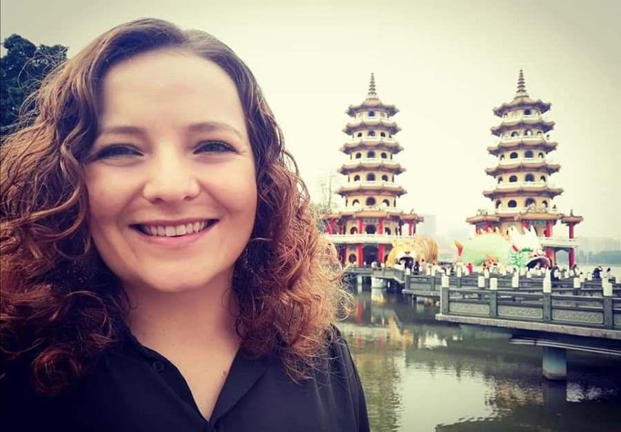 Meet Author VictoriaHolmes